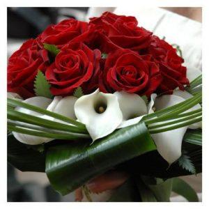 Bouquet rose rosse e calle – bouquet 172 JPG