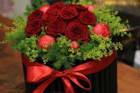 Flowerbox con rose rosse e peonie – IMG 8831 16