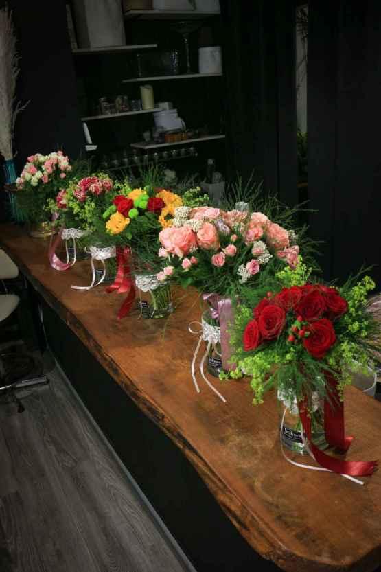 Bouquet di rose miste bianche e rosa – IMG 8988 3