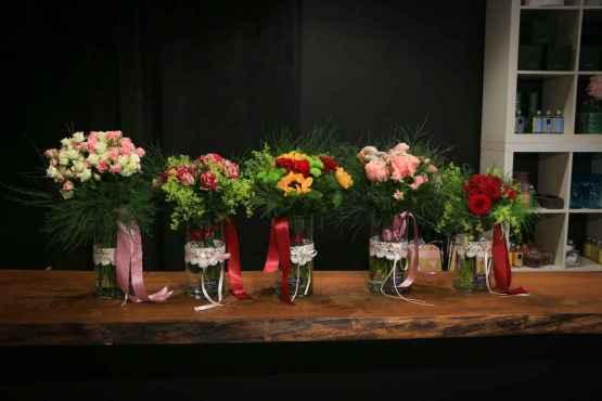 Bouquet di rose miste bianche e rosa – IMG 8994 4