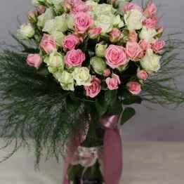 Bouquet di rose miste bianche e rosa – IMG 9070 e1588955044851