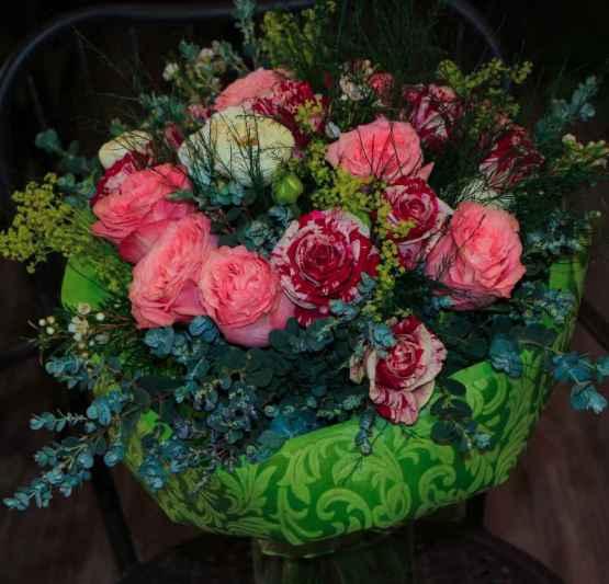 Bouquet di rose miste e ranuncoli – IMG 9118 4 e1589012595260