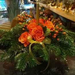 Composizione centrotavola con abete e fiori freschi – IMG 20201223 092558
